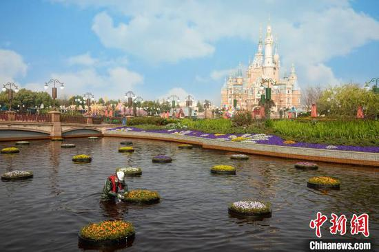 A corner of the Shanghai Disney Resort. (Photo provided to China News Service)